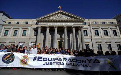 Manifestación para pedir la equiparación salarial