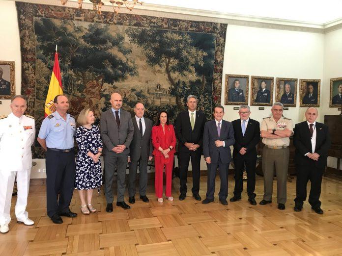 Acuerdo del Ministerio de Defensa y la FEMP, los militares podrán ejercer de policías locales o de profesionales en las diferentes secciones de los ayuntamientos